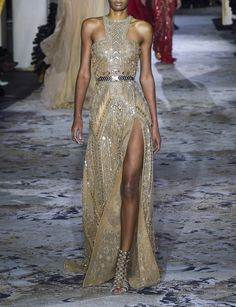 Zuhair Murad    Spring 2018 Couture Dressy Outfits, Chic Outfits, Beautiful Gowns, Beautiful Outfits, Couture Fashion, Runway Fashion, Love Fashion, Fashion Looks, High Fashion Dresses