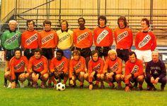laval 1978  De gauche à droite. Debouts : ROSE, ROQUE, SIMONDI, NOVAKI, COUMBA, COUGE, PERAIS, LAMY. Accroupis : DI CARO, MARTINEZ, CAMARA, MARETTE, KERUZORE, LEROY, LECHANTRE, LE MILLINAIRE (entraîneur).