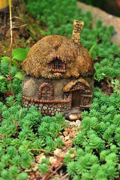 Miniature Dollhouse FAIRY GARDEN ~ Thatched Roof Fairy House 1 ~ NEW