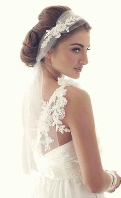 Love this headpiece/veil Wedding Trends / Anna Campbell's Stunning Wedding Dresses) Mod Wedding, Wedding Veils, Hair Wedding, Wedding Lace, Wedding Beauty, Wedding Makeup, Elegant Wedding, Wedding Trends, Wedding Styles