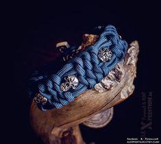 ALEXPEDITION ϟ Esoteric & Paracord Handmade ◈ Плету Красоту из паракорда! 👉 instagram.com/alexpedition.ru/ #EsotericHandmade #МастерϟАлекс #ALEXPEDITION #Paracord #Handcraft #handmadeaccessories #paracordbracelet #edc #bracelet #pagan #runic Paracord Projects, 550 Paracord, Paracord Bracelets, Handmade Accessories, Pagan, Edc, Etsy Seller, Unique Jewelry, Handmade Gifts