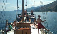 Cruising in #Taormina with Tom's retrait Joga party