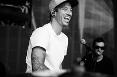 josh dun | twenty one pilots | wow that smile, it's blissful