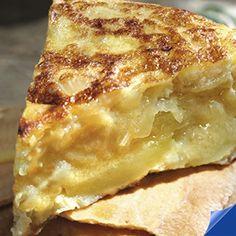 Te explicamos cómo conseguir que la tortilla de patatas te quede con un toque especial.