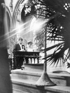 12 Sep 1953 John Kennedy e Jacqueline Lee Bouvier al momento del si (foto Getty)