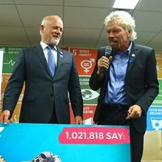Sir Richard Branson presents a petition to Save Our Oceans at UN in New York (338786)