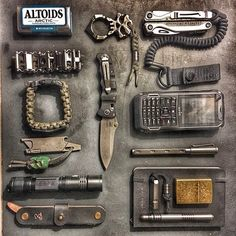 Bug Out Bag List Bug Out Bag List,EDC Related posts:How to Create An Emergency Preparedness Kit - See Mom ClickHow to Keep Animals Out of Your Camping Food Survival Equipment, Survival Tools, Urban Survival, Survival Guide, Survival Hacks, Wilderness Survival, Camping Survival, Emergency Preparedness, Edc Tactical