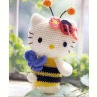 Crocheted Bee Hello Kitty - FREE Amigurumi Crochet Pattern by cagribruyere and like OMG! get some yourself some pawtastic adorable cat shirts, cat socks, and other cat apparel by tapping the pin! Chat Crochet, Crochet Mignon, Crochet Bee, Crochet Crafts, Crochet Dolls, Crochet Projects, Free Crochet, Crochet Hello Kitty, Chat Hello Kitty
