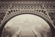eiffel looking at ecole militaire