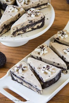 My Oreo ice cream cake is so decadent and rich, thanks to double layers of buttery soft cookie crust and creamy sweet ice cream. Pure goodne...