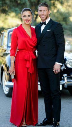 Pilar Rubio and Sergio Ramos (Real Madrid) Paris Chic, Stylish Dresses, Fashion Dresses, Beautiful Dresses, Nice Dresses, Dress Skirt, Dress Up, Dress Hairstyles, Satin Dresses