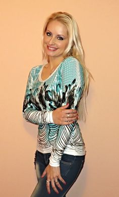 "Tričko \""Veselá\"" Graphic Sweatshirt, Sweatshirts, Sweaters, Fashion, Moda, Fashion Styles, Trainers, Sweater, Sweatshirt"