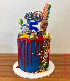 50 Most Beautiful looking Avengers Cake Design that you can make or get it made on the coming birthday. Captain America Birthday Cake, Avengers Birthday Cakes, 5th Birthday Cake, Superhero Birthday Cake, Birthday Ideas, Pastel Avengers, Marvel Cake, Batman Cakes, Avenger Cake