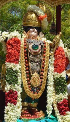 அனுவின் தமிழ் துளிகள்: திருப்பாவை – பாசுரம் 10 Saraswati Vandana, Animated Happy Birthday Wishes, Hindu Culture, Jai Hanuman, Inspirational Prayers, Durga Goddess, Lord Vishnu, Hindu Deities, God Pictures