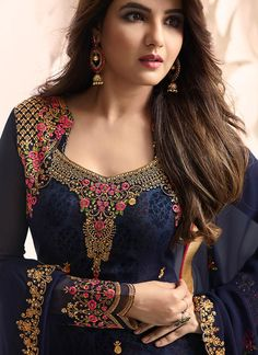 Looking to buy salwar kameez? ✓ Shop the latest dresses from India at Lashkaraa & get a wide range of salwar kameez from party wear to casual salwar suits! Indian Fashion Dresses, Dress Indian Style, Pakistani Bridal Dresses, Pakistani Dress Design, Beautiful Blouses, Beautiful Dresses, Netted Blouse Designs, Kurta Neck Design, Indian Designer Suits