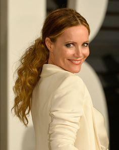 Leslie Mann's curly ponytail at the Vanity Fair Oscars party