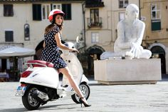 Find information about the world's most iconic scooter brand, Vespa, its latest model lineup, and dealer networks. Since Vespa has been an icon of Italian style loved around the world. Piaggio Vespa, Vespa Scooters, Motos Vespa, Lambretta Scooter, Scooter Motorcycle, Motor Scooters, Fiat 500, Vespa Models, Vespa Girl