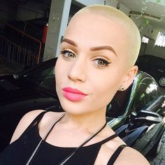 Shaved blonde hairstyle to channel your inner Amber Rose.
