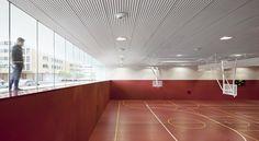 Stadtteilzentrum in Vitoria-Gasteiz /    ACXT (Architect)