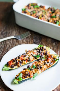 Five Approaches To Economize Transforming Your Kitchen Area Enchilada Zucchini Boats-This Recipe Is Vegan, Vegetarian, Gluten Free, And Super Easy To Make. Ideal For The Summer When Zucchini Is Everywhere Vegan Zucchini Recipes, Vegan Recipes Videos, Vegan Dinner Recipes, Super Healthy Recipes, Vegan Dinners, Vegan Recipes Easy, Veggie Recipes, Healthy Snacks, Vegetarian Recipes