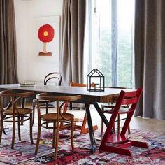 casa em Monbulk, Austrália. Projeto de Joost Bakker. #interiores #arquiteturaeinteriores #arte #artes #arts #art #artlover #design #interiordesign #architecturelover #instagood #instacool #instadaily #furnituredesign #design #projetocompartilhar #davidguerra #arquiteturadavidguerra #shareproject #dinigroom #diningroomdesign #joostbakker