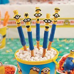 Get the party started! Find everything you need on your shopping list, whether you browse online or at one of our party stores, at an affordable price. 5th Birthday Party Ideas, Minion Birthday, Cool Birthday Cakes, Boy Birthday Parties, I Party, Birthday Stuff, Party Stuff, Minion Party Games, Minion Party Invitations