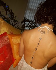 This chakra tattoo! But the lotus flower in the bottom covering my tacky ass Scorpio tattoo! And this WILL be another sister matching tattoo after Sister gets certified in what she wants to do, and I get my certificate in my area. and we have our own pla Yoga Tattoos, Spine Tattoos, Body Art Tattoos, Sleeve Tattoos, Chakra Tattoo, Piercing Tattoo, Piercings, Trendy Tattoos, Tattoos For Women