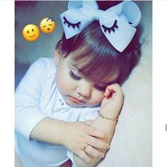 So cutiee 😘😘 Girl Baby Pic, Baby Boy Newborn, Baby Girls, Cute Kids Pics, Cute Baby Girl Pictures, Cute Baby Girl Wallpaper, Cute Babies Photography, Girl Photography, Children Photography