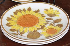 Vintage Thanksgiving plate / dish fall color sunflower pattern dinner plates - Mikasa Cera-Stone set of four