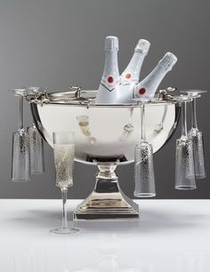 For the host with the most, our Remington Champagne Bowl will delight guests with truly elevated libations.