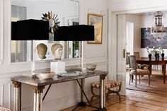 Sophisticated decoration for entry from interior designer Isabel Lopez
