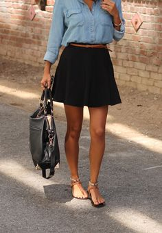 Classic black skirt outfit idea for spring Chambray shirt with black skater skirt.with my long black skirt Black Skirt Outfits, Black Skater Skirts, Black Skater Skirt Outfit, Jean Shirt Outfits, Flared Skirt, Mini Skirt, Short Black Skirts, Circle Skirt Outfits, Demin Skirt Outfit