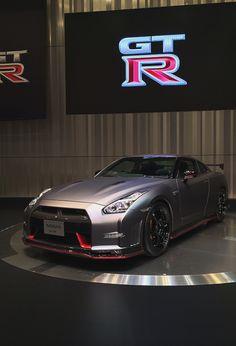 #Nissan GT-R #carros #motor