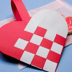 heart shaped paper basket weaving | Make Woven Paper Heart Valentine Baskets - Valentine's Day Crafts ...
