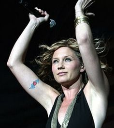 Jennifer Nettles - Tattoos.net (gonna get this tattoo bc mom loved her and it soo much)