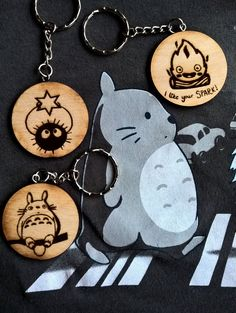 Fantasy Craft, Wooden Key Holder, Esty, Studio Ghibli, Laser Engraving, Diy And Crafts, Engineering, Cool Stuff, How To Make