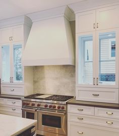 161 отметок «Нравится», 7 комментариев — M House (@mhousedevelopment) в Instagram: «Cabinets over these windows?! 🤯 This kitchen wall turned out even better than envisioned!…»