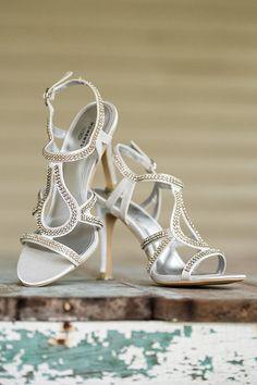 White wedding shoes @weddingchicks