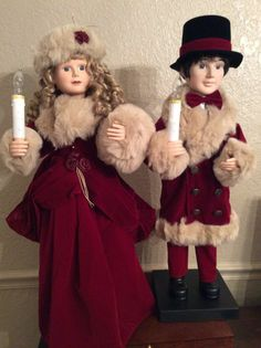 """Boy Girl Animated Christmas Motionette Victorian caroler 27"""" Execlent Condition"""