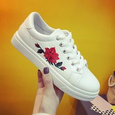 Spring 2017 New Fashion Women's Shoes Fashion Round Head Embroidery Flower Casual Loafers Lace-up Flats Shoes Woman
