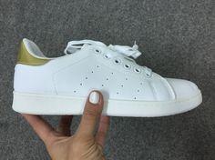 Deportivas clon #stansmith blanca y dorada 19,90 en diascomoestos.com