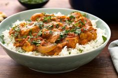 Butter Chicken: It is one of the most loved chicken dishes in India. On every weekend mainly Sunday we eat this super awesome Indian Butter Chicken Recipe. Indian Chicken Recipes, Indian Butter Chicken, Indian Food Recipes, Ethnic Recipes, Garam Masala, Tandoori Masala, Naan, Cooking Basmati Rice, Comida India