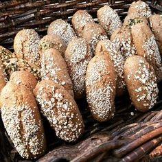 Buttermilch-Vollkorn-Weckerl Vegan Meal Prep, Vegan Thanksgiving, Vegan Clean, Vegan Kitchen, Pampered Chef, Pumpkin Recipes, Bread Baking, Vegan Desserts, Easy Healthy Recipes