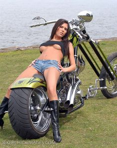 from Braylon sexy girls and choppers