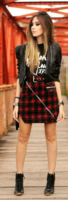 printed tee w/plaid skirt and leather {Look Du Jour: Mon Ami Louisxvi by Fashion Coolture}
