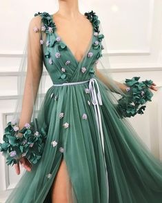 kleider Sexy Long Prom Dress Tulle A-Line Evening Dress V-neck Formal Gowns Cheap Slit Prom Gowns Tulle Prom Dress, Ball Gown Dresses, Dress Up, Prom Dresses, Jade Dress, Long Dresses, Silk Dress, Dress Skirt, Red Ball Gowns
