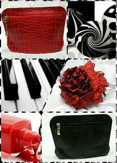 Косметички в наличии.  Цветок - роза предоставлен мастером Марией Ефременко.