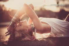 Lie Down - Model: Amy Lee (Ford Models) Hair and Makeup: Amelia Fugitt Just relax in the sun. Bouidor Photography, Boudoir Photography Poses, Beach Boudoir, Boudoir Pics, Boudior Poses, Shooting Photo, Foto Pose, Julie, Photoshoot Inspiration