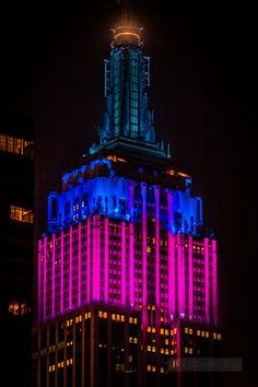 deco-ny-manhattan-empire-state-building-350-5th-avenue-tower-night-tower-close-2-4.jpg (480×720)