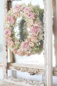 .•°¤*(¯`★´¯)*¤° Shabby Chic.•°¤*(¯`★´¯)*¤°...Shabby Chic pink roses wreath